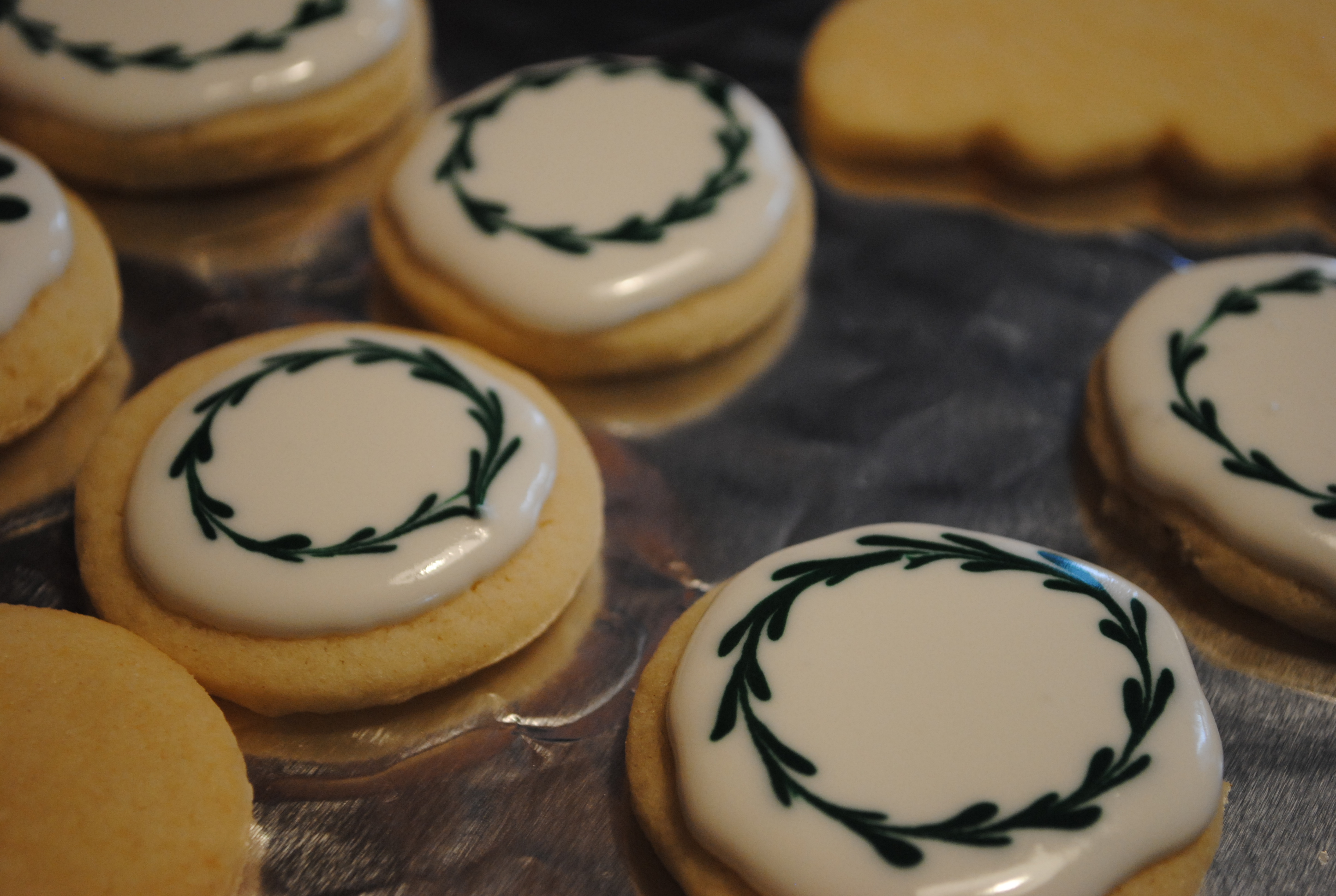 Simple but Beautiful Christmas Cookies | invincible inc.